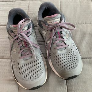 New Balance 840 Gray & Purple Sneakers Sz 9.5
